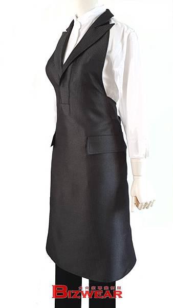 西裝領洋裝圍裙 側.jpg