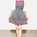 黑白格配粉紅色洋裝圍裙2.jpg