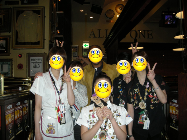 Ivoe at Hard Rock Cafe _2 (Japan).JPG