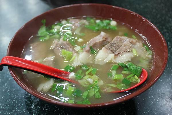 8牛腩麵好吃的莫名其妙阿