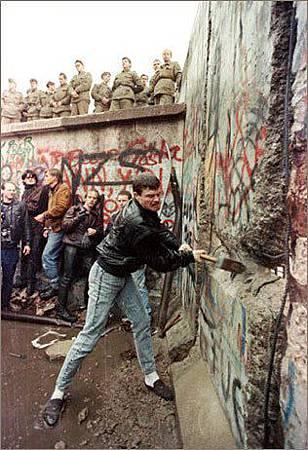 柏林圍牆倒塌