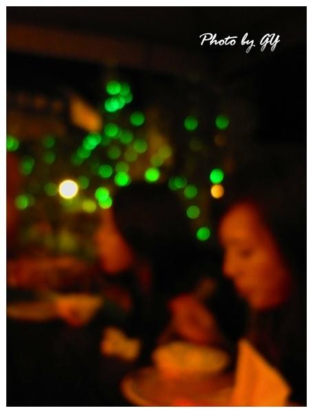 綠色螢火蟲