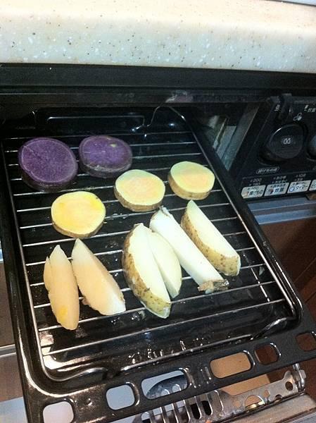 沾好熱奶油後放入烤盤.JPG