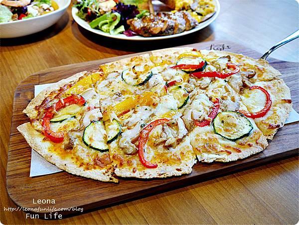 台中脆餅推薦南洋烤雞時蔬 Bistro88 Light新菜