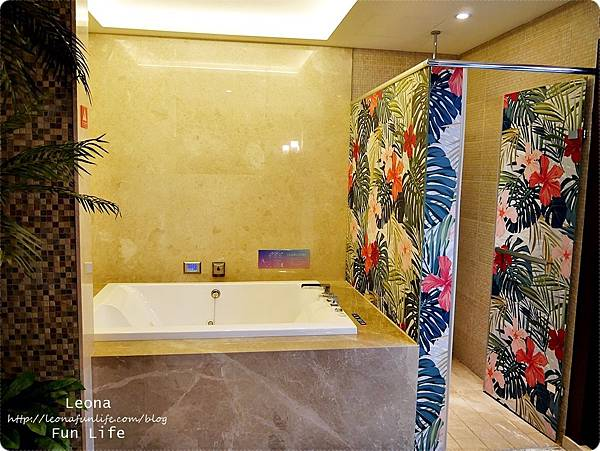 台中住宿|極光情境旅館-傳說系列火努魯魯衛浴設備