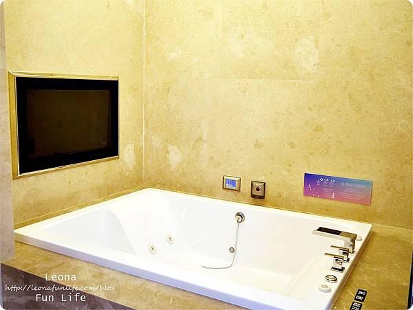 台中住宿|極光情境旅館-傳說系列火努魯魯 按摩浴缸