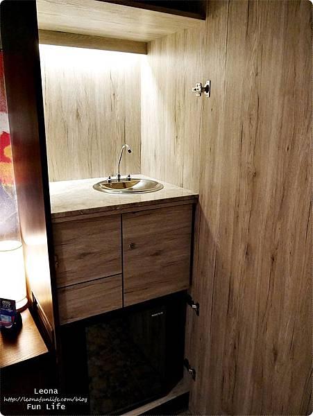 台中住宿|極光情境旅館-傳說系列火努魯魯 飲水機