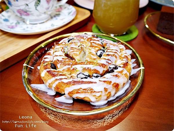 白酒葡萄玫瑰糖霜肉桂捲 日式老屋幸卉文學咖啡