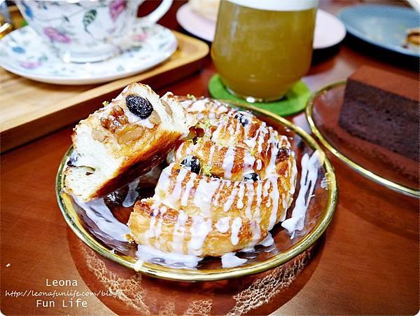 白酒葡萄玫瑰糖霜肉桂捲 日式老屋幸卉文學咖啡 1