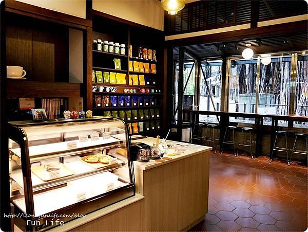 台中文青景點|NMU 幸卉文學咖啡 日式風情