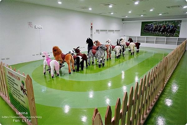 台中親子景點 東海乳品小棧 太平親子景點 台中半日遊 台中親子遊 東海鮮奶哪裡買 優客騎馬機DSC07161.JPG