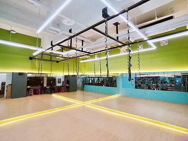 台中健身房推薦Anytime fitness 台中公益旗艦店 24hr健身中心 平價 無壓力 設備齊全 團課教室