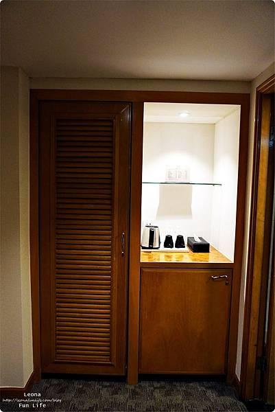 澳門平價住宿 盛世酒店 交通方便 寬敞舒適、還有泳池 讓度假更加享受 機場DSC05767.JPG