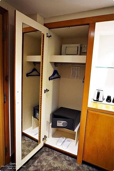 澳門平價住宿 盛世酒店 交通方便 寬敞舒適、還有泳池 讓度假更加享受 機場DSC05768.JPG