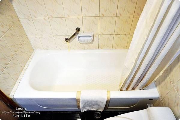澳門平價住宿 盛世酒店 交通方便 寬敞舒適、還有泳池 讓度假更加享受 機場DSC05775.JPG