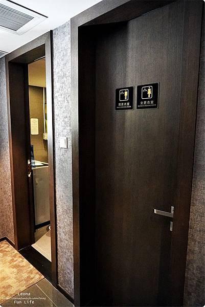 澳門平價住宿 盛世酒店 交通方便 寬敞舒適、還有泳池 讓度假更加享受 機場DSC06803.JPG