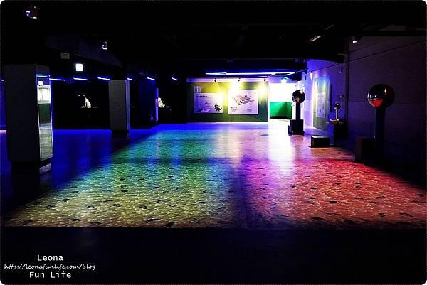 喜晶a光學觀光工廠 台中觀光工廠 台中室內親子景點 雨天備案 潭子親子景點 恐龍 布袋戲 射擊遊戲DSC08532