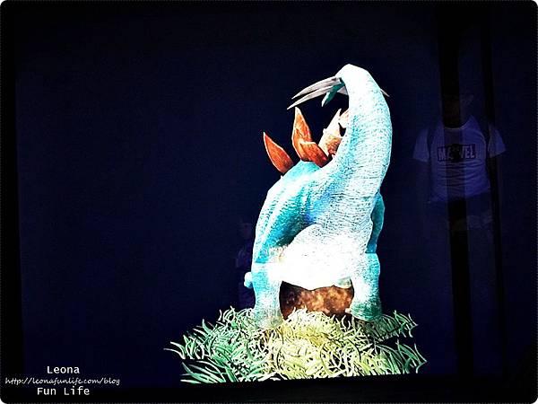 喜晶a光學觀光工廠 台中觀光工廠 台中室內親子景點 雨天備案 潭子親子景點 恐龍 布袋戲 射擊遊戲cats01