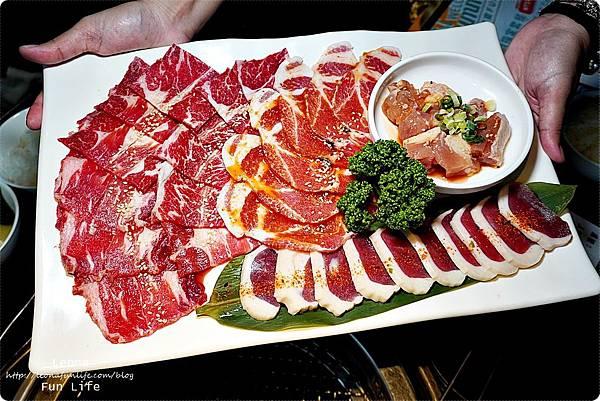 台中燒肉 肉多多超市燒肉台中大墩店 雙人燒肉組 台中燒烤 舒肥牛小排 伊比利豬 DSC00670.JPG