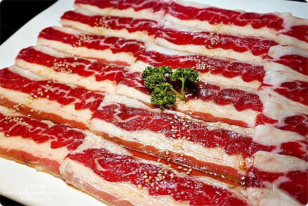 台中燒肉 肉多多超市燒肉台中大墩店 雙人燒肉組 台中燒烤 舒肥牛小排 伊比利豬 DSC00684.JPG