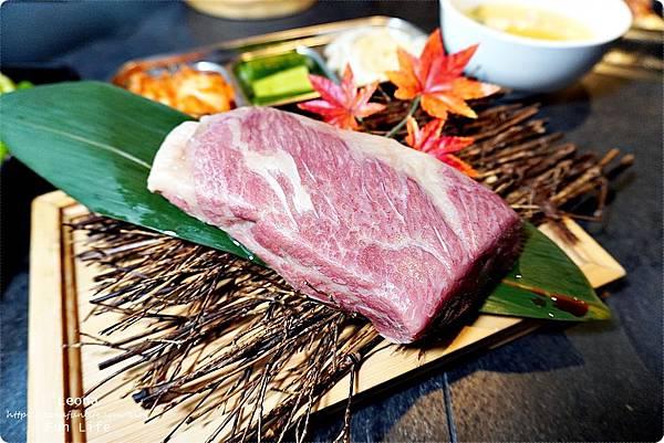 台中燒肉 肉多多超市燒肉台中大墩店 雙人燒肉組 台中燒烤 舒肥牛小排 伊比利豬 DSC00779.JPG