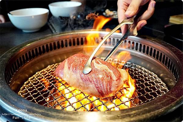 台中燒肉 肉多多超市燒肉台中大墩店 雙人燒肉組 台中燒烤 舒肥牛小排 伊比利豬 DSC00803.JPG