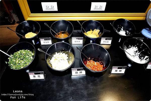 台中大份量火鍋 肉多多火鍋 台中向上店 台中火鍋推薦 肉多多優惠 菜單 胡椒豬肚雞湯 番茄牛肉蔬菜湯DSC01235.JPG