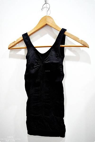 修飾身形這樣穿大谷美姬塑身衣 舒適 耐穿又耐洗 9段式結構設計完整包覆 日雜票選最好穿塑身衣穿搭配件DSC06021.JPG