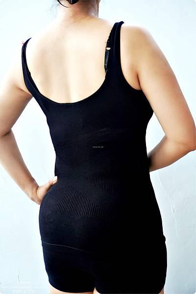 修飾身形這樣穿大谷美姬塑身衣 舒適 耐穿又耐洗 9段式結構設計完整包覆 日雜票選最好穿塑身衣穿搭配件DSC06070.jpg