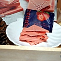 妮娜巧克力夢想城堡 Cona's 妮娜手工巧克力 台灣巧克力 巧克力禮盒 巧克力禮盒南投 回購率超高 巧克力DIY棒棒糖 超狂中秋月餅禮盒 妮娜巧克力價格 巧克力薄片 巧克力球 抹茶 草莓 焦糖DSC09945.JPG
