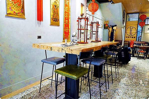 台中北區咖啡廳其美咖啡-懷舊復古系網美風格,古早味清冰配咖啡 再來份蒸奶 滷味更對味 其美不動產DSC06331.JPG