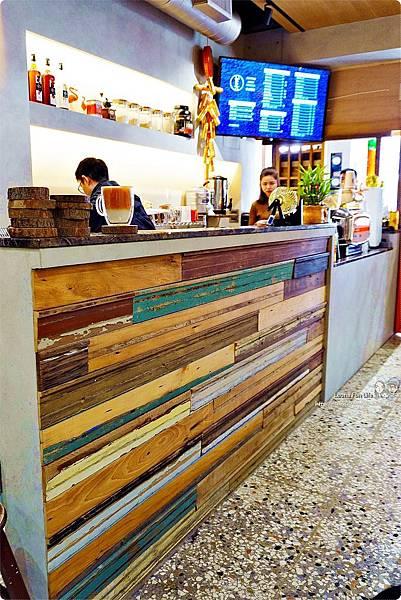 台中北區咖啡廳其美咖啡-懷舊復古系網美風格,古早味清冰配咖啡 再來份蒸奶 滷味更對味 其美不動產DSC06332.JPG