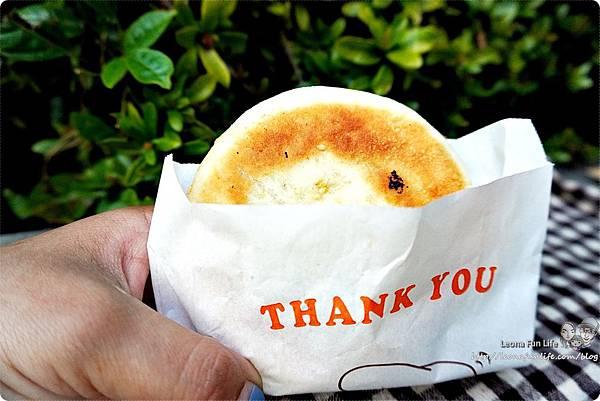 一中街銅板美食 下午茶點心月亮蝦餅 餡餅 韭菜盒子 傳統小吃 麵食 泰式料理 學生美食 平價 有間餅店DSC05492.JPG