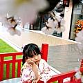 台中海線一日遊 春日賞櫻 海景摩天輪 金爸爸馬來西亞風味餐,親子設施 Mitsui Outlet Park 台中港 哺乳室 嬰兒車 兒童遊戲區 美食街 雪樂地 台中景點 行程 購物 moon star 童鞋DSC09351.JPG
