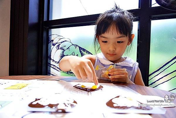 南投景點推薦 妮娜巧克力夢想城堡 Diy 菜單 變裝 衣服 南投景點餐廳 親子一日遊 巧克力 伴手禮 城堡 拍照景點 網美景點 IG打卡 埔里景點 埔里餐廳DSC02495.JPG