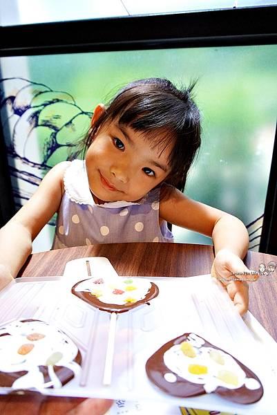 南投景點推薦 妮娜巧克力夢想城堡 Diy 菜單 變裝 衣服 南投景點餐廳 親子一日遊 巧克力 伴手禮 城堡 拍照景點 網美景點 IG打卡 埔里景點 埔里餐廳DSC02505.JPG