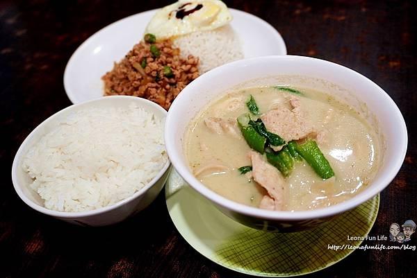 一中泰式料理 一中泰鄉味  泰鄉味菜單 平價 泰國料理 泰式奶茶 打拋肉 綠咖哩 泰奶冰淇淋 台中北區美食 一中街美食DSC07263.JPG
