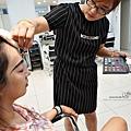 台中客製化藝術照拍攝資深造型師設計搭配國際級藝術美甲,還有和洋服飾租借,搭配專業攝影師,拍出專屬風格DSC03118_副本.jpg