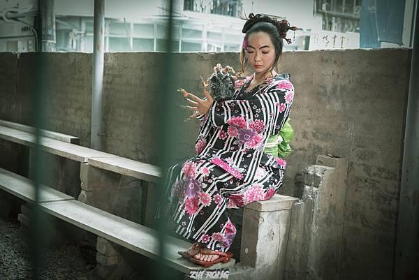 台中客製化藝術照拍攝資深造型師設計搭配國際級藝術美甲,還有和洋服飾租借,搭配專業攝影師,拍出專屬風格50118810273_742cc5c2d3_o.jpg