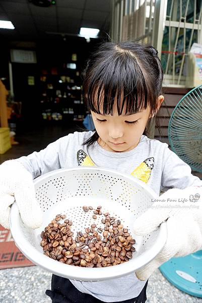 雲林古坑景點華山休閒農業區-體驗手陶壺烘培咖啡、親子DIY咖啡樹枝鉛筆台灣咖啡節2020DSC02994.JPG