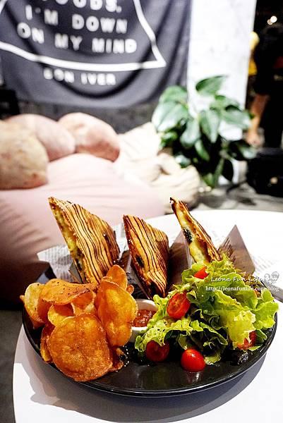 台中 東區復興咖啡交易所 FXCE文青工業風老宅、港式美食與咖啡香的結合台中火車站2020126更新 菜單1DSC05370.JPG
