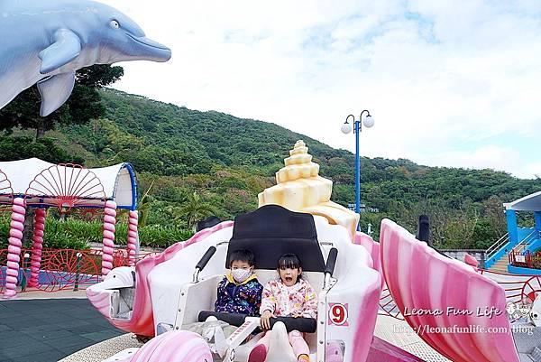 期間限定花蓮遠雄海洋公園-銀白飄雪聖誕季、歡樂遊行、雪屋玩雪,還有美人魚共舞喔!花蓮景點1DSC08677.JPG