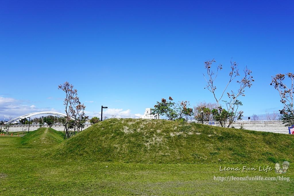 台東親子景點東海運動公園-太平溪旁享受陽光綠地的休閒好去處,還有桌球館、羽球館、籃球場喔!!免費景點DSC03879.JPG