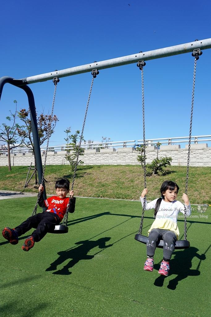 台東親子景點東海運動公園-太平溪旁享受陽光綠地的休閒好去處,還有桌球館、羽球館、籃球場喔!!免費景點DSC03894.JPG