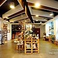 台東文青景點台東故事館-文創書店拍美照喝調酒,白天夜晚各有不同的風貌,還有兒童閱覽室喔!!DSC04060.JPG