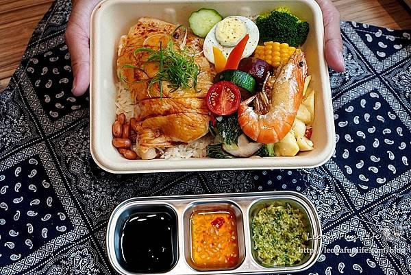 台中科博館美食今天不抱怨餐食-精緻美味雞肉料理簡餐、星巴克咖啡喝到飽,免服務費不限時、供插座新菜單母親節優惠DSC08851.JPG