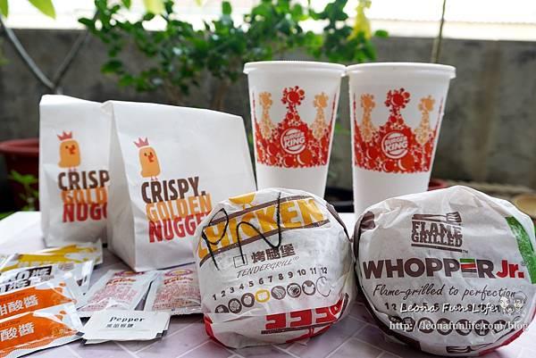 限時優惠漢堡王BurgerKing牛肉漢堡、雞塊買一送一,還有肉肉控最愛的超級重磅四層牛肉花生粽(重)喔!!DSC01634.JPG