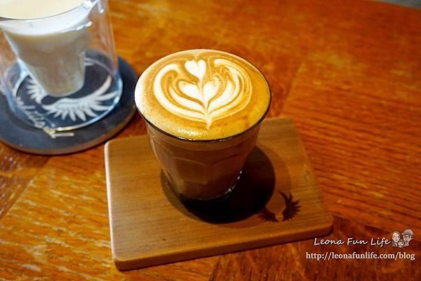 花蓮咖啡廳推薦Unconditional Coffee無設限咖啡-英式風格酒吧咖啡館,靜靜享受咖啡香DSC07862.JPG