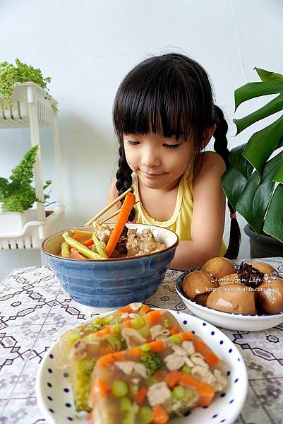夏天開胃料理超簡單、不NG肉骨茶茶葉蛋、肉骨茶雞肉蔬菜肉凍余仁生肉骨茶電鍋食譜DSC02957.JPG