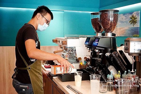 台中太平咖啡廳推薦紅菓咖啡太平育賢店-職人咖啡搭配鬆軟奶香生吐司披薩、夢幻草莓漸層飲早午餐下午茶DSC02855.JPG
